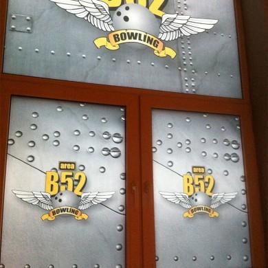 inscriptionari vitrina autocolant, imprimari.ro, Area B52