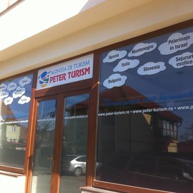 inscriptionari vitrina autocolant, imprimari.ro, Peter Turism