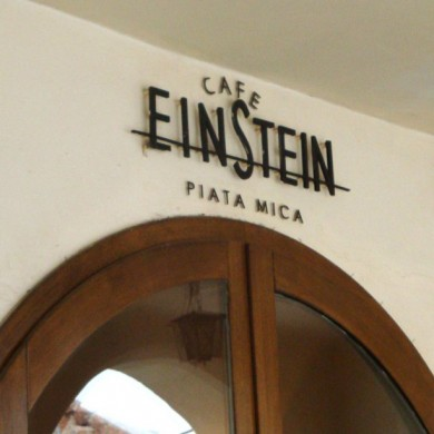 litere volumetrice iluminate, imprimari.ro, Einstein Cafe